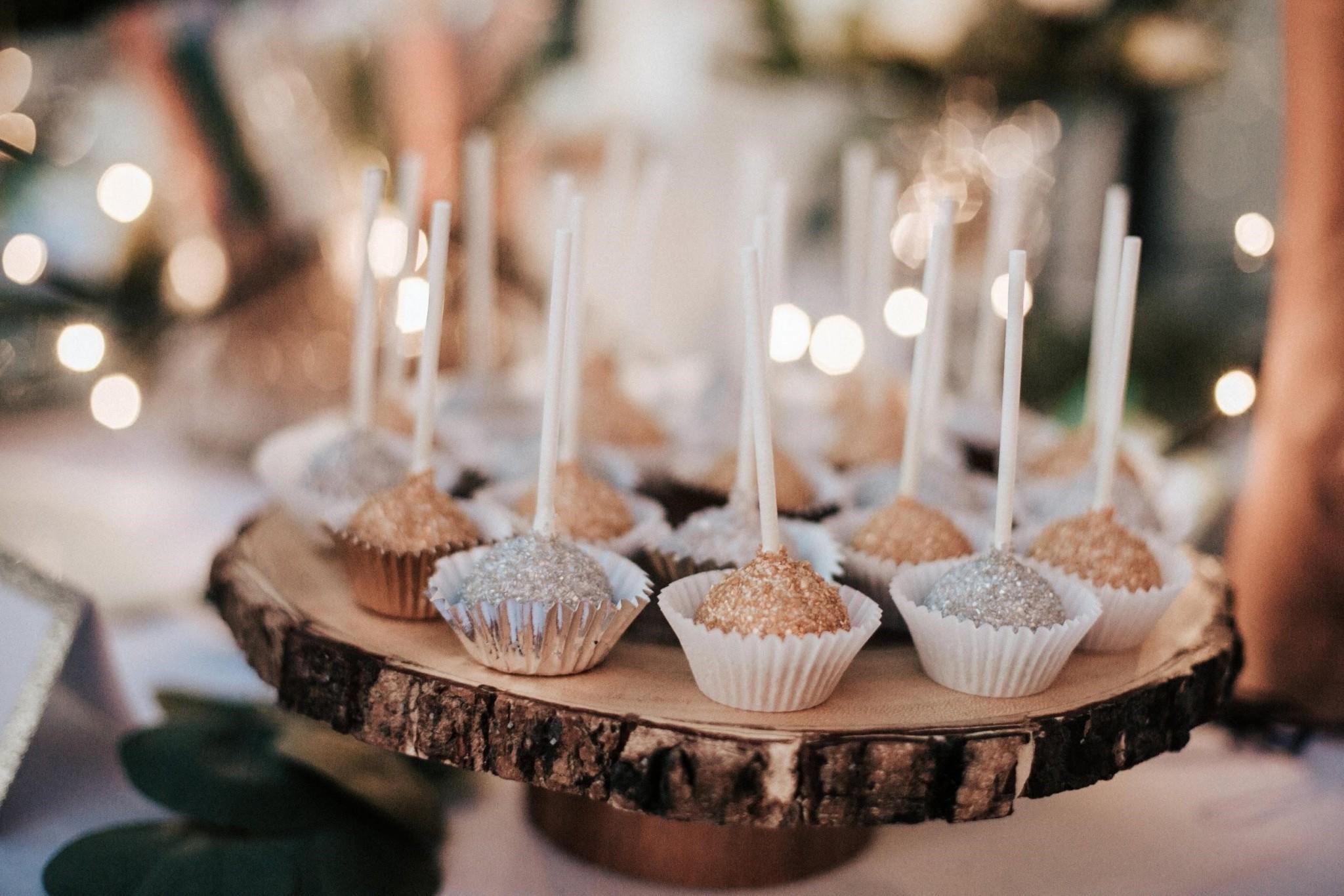 Wedding Cake Alternatives: Mini Desserts | Indian Ridge, Hudson Valley Wedding Venue | www.IndianRidgePreserve.com